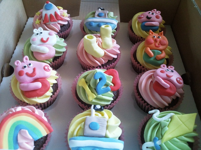 Peppa Pig cupcakes!