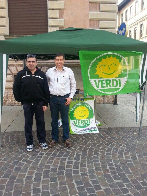 Gazebo a Trento via Verdi. Per una città intelligente un voto intelligente a Marco Ianes e Gianpiero Robbi Verdi Trento.