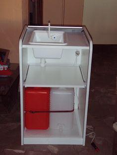 DIY cocinita de viaje. Ideal para furgos, campings y terrazas.