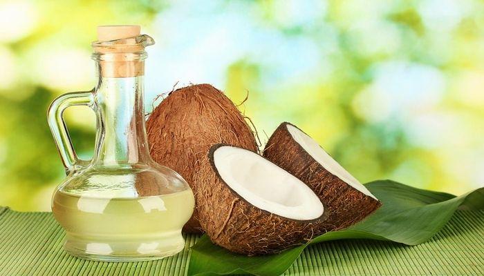 5 uleiuri vegetale care ajuta la cresterea parului
