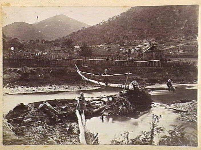 Thomson River at Gippsland, Victoria in 1885.