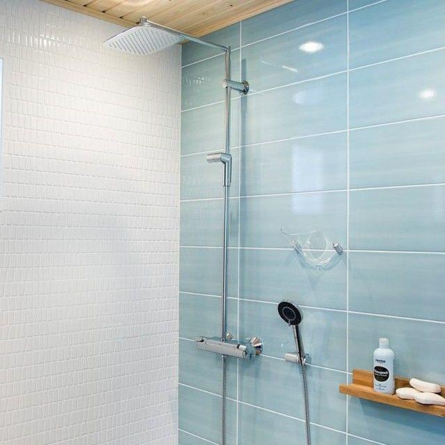 Oras Optima rain shower, takduchset med stilren design, omkastare integrerat i flödesvred, skållningsskydd och Eco-funktioner. Användarvänlig, miljövänlig och säker! #oras #orassverige #badrum #bathroom #dusch #shower #rainshower #takdusch #duschblandare #showerfaucet #blandare #faucet #inredning #inspiration #interiordesign #inredningsdesign #interiör #heminredning #design