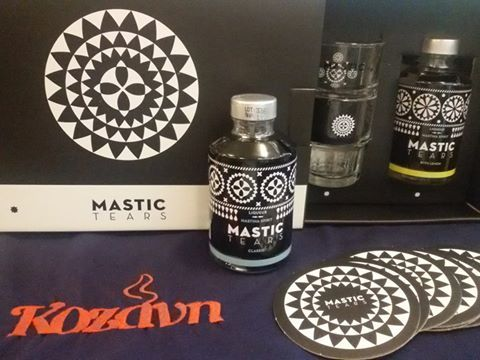 """Mastic Tears"" Gift Box με το μοναδικό άρωμα της Μαστίχας Χίου, λικέρ σε δυό…"