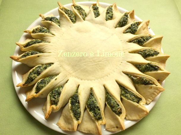 TORTA RUSTICA di SPINACI English link on the page.  Too beautiful to not try!  I know what I'm bringing to the next pot luck!