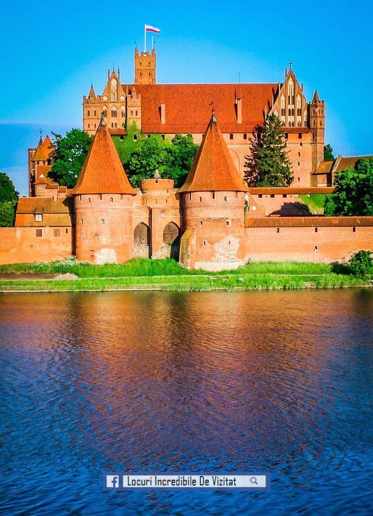 Cel mai mare castel din lume, Castelul Malbork. Polonia  Like & Share daca va place.