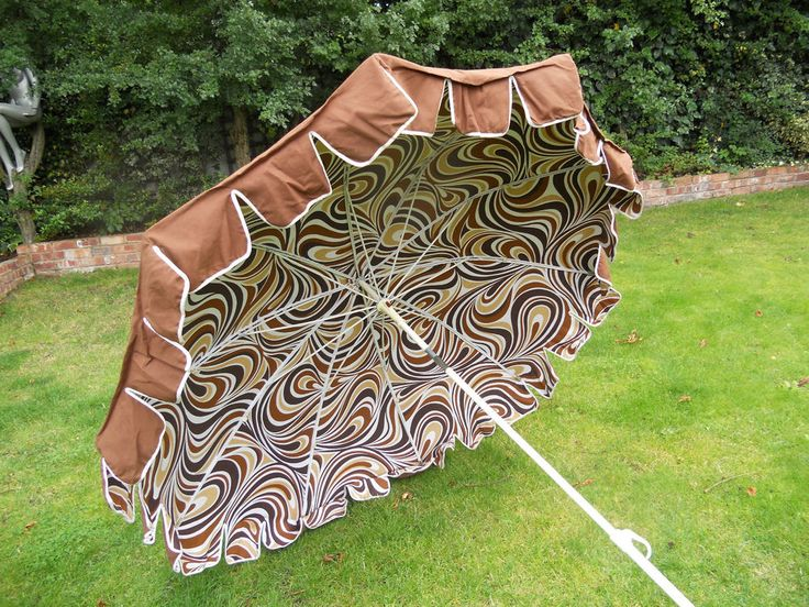 Vintage Retro 1970s Large Tilting Garden Umbrella Sun