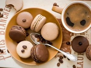 WallpapersChocolate macaroon with coffee