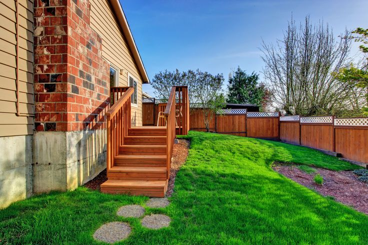 Privacy Fence For Sloped Yard Google Search Sloped Yard