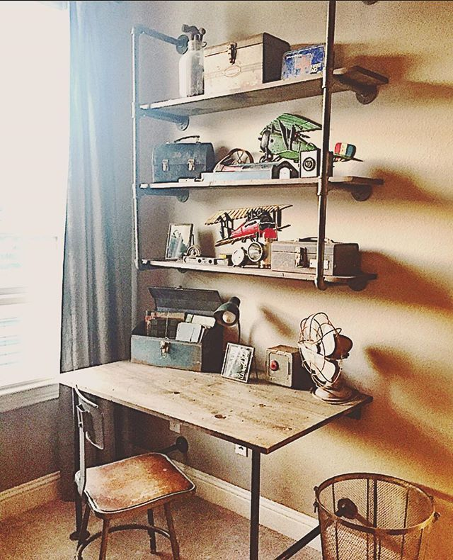 Full picture of the desk and shelves #carpenterhusband #besthusbandever…