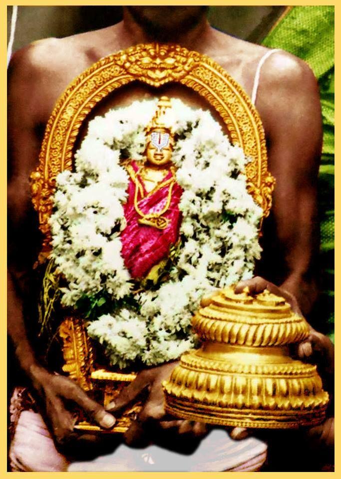 Rare photo ofSri Bhoga Srinivasa Murthy and Mulavar Satar from Tirumala Venkateswara temple.