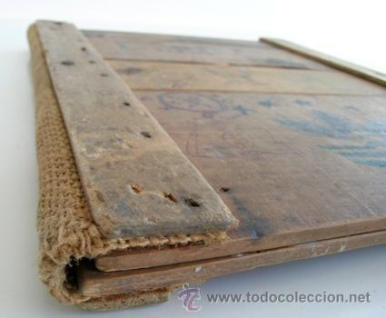 Tapas Madera-Cartas Menú y Vinos Restaurante con Maderas antiguas cajas fruta y tela saco