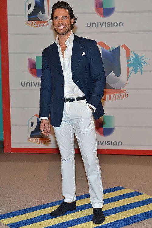 saco blanco pantalon azul hombre - Buscar con Google