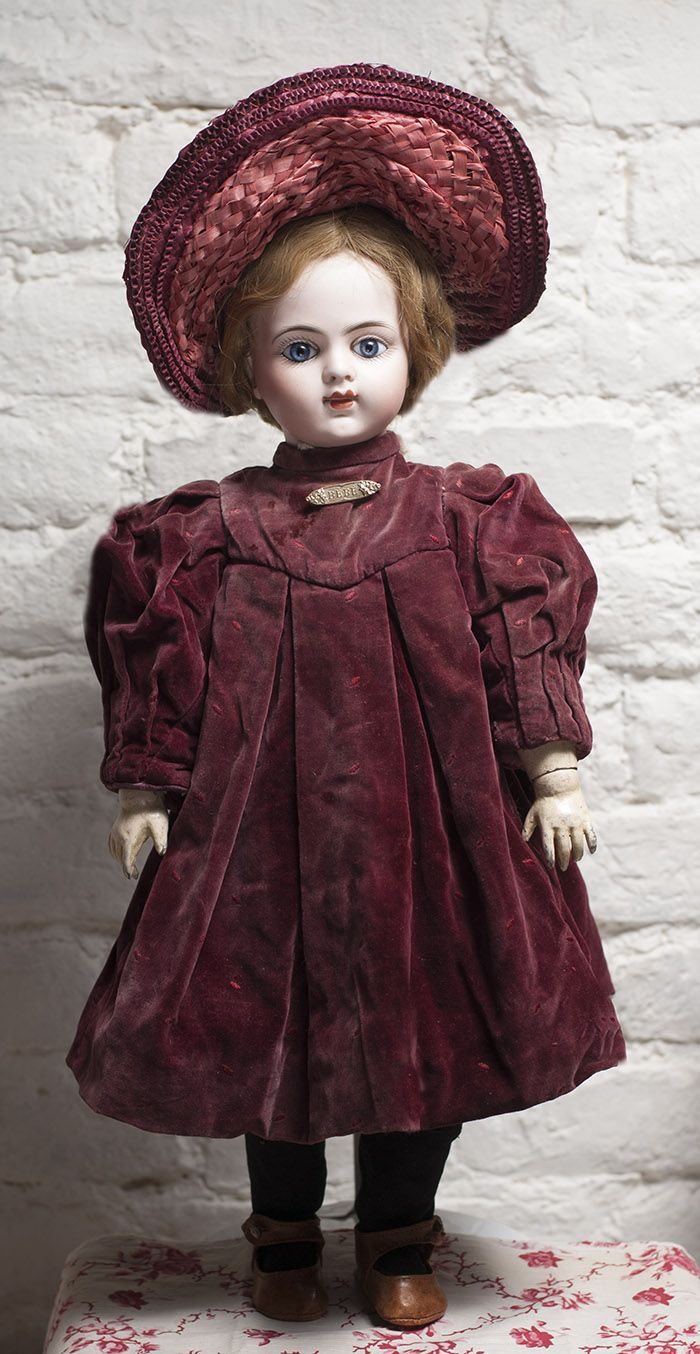 Wonderful BRU Bebe Doll 20in Antique dolls at Respectfulbear.com