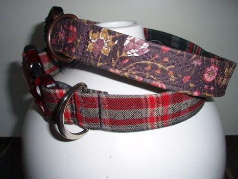 Make your own dog collar - this tute is very easy and well described