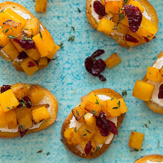 This quick and easy butternut squash crostini appetizer is a great dish to serve at cocktail parties; it really gets the autumn taste buds going!