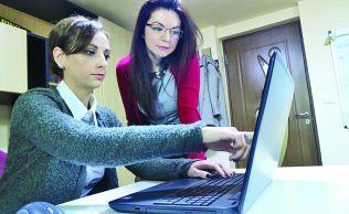 Tinerele care aduc banii europeni firmelor din România