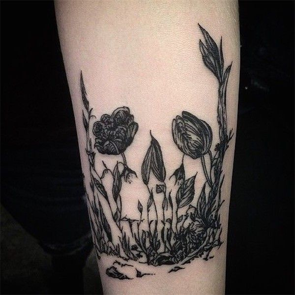Tatuagem de Flor | Caveira em Blackwork