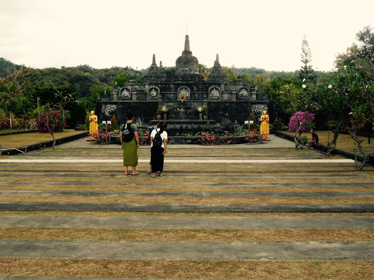 DAY 6: from Lovina, we also visited the greatest Buddhist temple of Bali, a meditation centre on top of the hills.