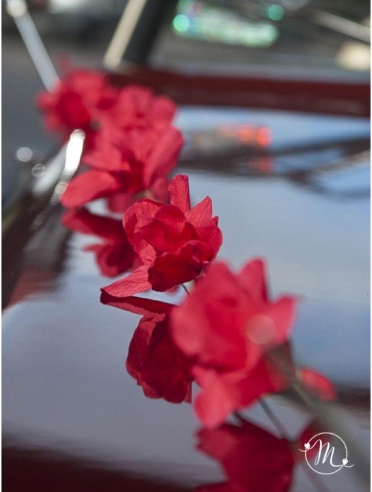 Ghirlanda in carta rossa per auto.  Confezione da 3 pezzi.  Lunghezza ghirlanda 2 mt. #matrimonio #weddingday #offerta #auto #wedding #accessoriauto #justmarried #oggisposi