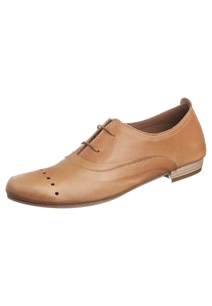 Brogues with different holes