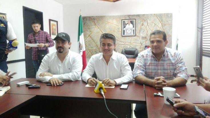 Mery Ayup felicita a Jorge Zermeño