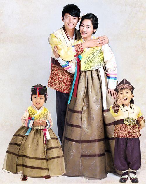 가족 traditional Korean-http://www.belajarbahasakoreaonline.blogspot.com/2013/04/topik-partikel.html