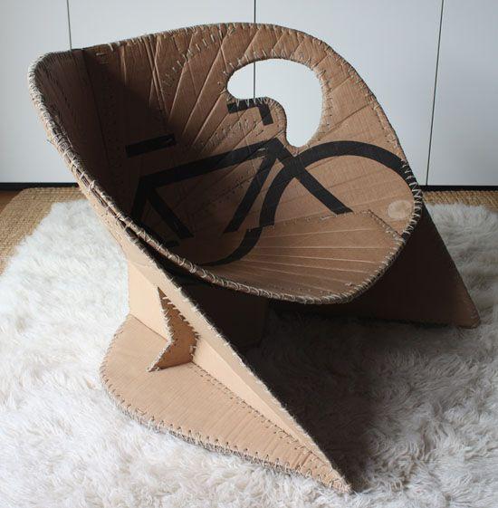 Creative cardboard chairs to relax in comfort   Designbuzz : Design ideas and concepts.  Louise: quelle idée géniale et une réalisation très origiale, j'adore!