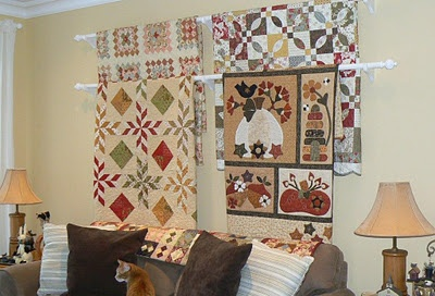Layering curtain rods. Another great idea.: Patterns Baskets, Quilts Display, Crafts Rooms, Curtains Rods, Display Quilts, Hanging Quilts, Display Ideas, Wall Display, Sewing Studio