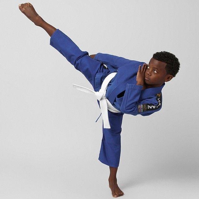 .@rogeriobizzocchi | Canon 60d, 1/160, f/14 Iso 100. #judô #judo #vulkan #kimono #infantil #kids #... | Webstagram