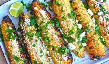Meksika Usulü Acılı Mısır evde annelerimizin haşladığı mısırın tadı hiçbir şeyde olmasa da Meksikalı biraderlerimizin yaptığının da tadı pek leziz! #meksika #yemekleri #ev #yapımı #acılı #mısır #ızgara #tarifler #atıştırmalık #aperatif #değişik #lezzetler #tarifi #közlenmiş #köz #dünya #mutfağı