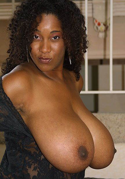 Naked busty pam free nude picure of