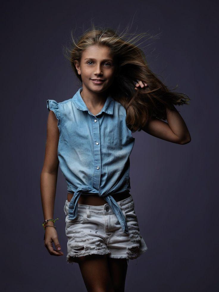 professional photography fashion photographer happiness makeup studio dress elegance portrait kids colour hasselblad profoto