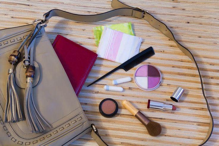 10 Dingen die je altijd in je tas moet hebben