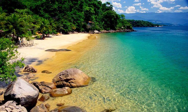 Confira as nossas ideias de praias românticas para rolar na areia e beber clericot com seu amor. Tudo sobre como chegar, onde ficar e o que fazer.