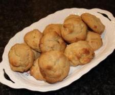 White chocolate macadamia biscuits