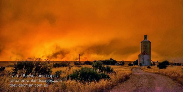 Lake Albacutya fire 14.1.2014