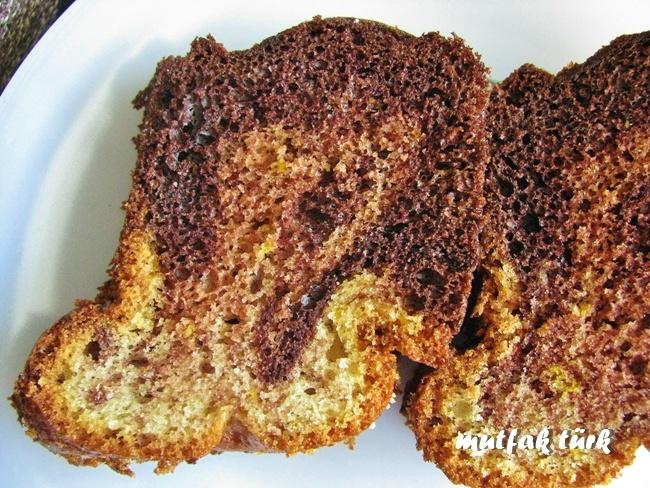 mutfak türk: ebruli kek-Portakallı ve kakaolu ebruli kek tarifi,  Portakal ve kakaonun lezzet uyumuyla yumuşacık, harika bir kek.