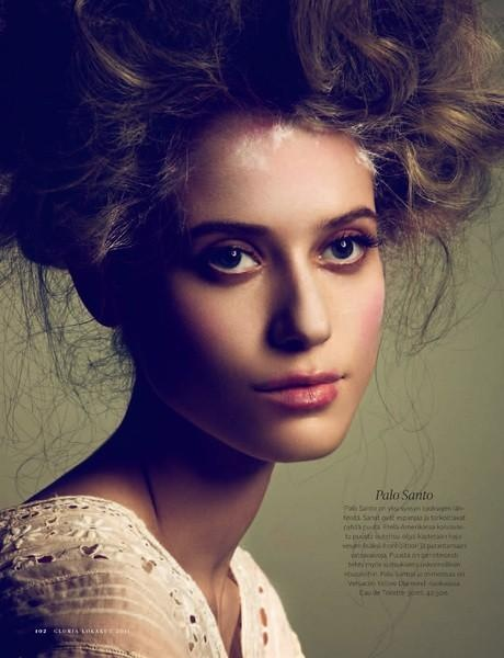 Fabiana Mayer for Gloria Magazine | #classic #vintage #portrait #Renaissance