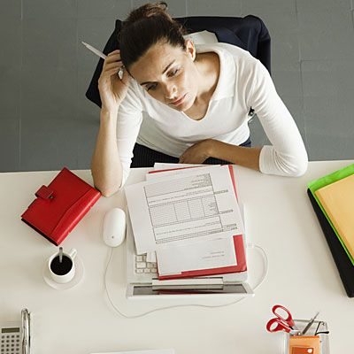 How to Lose Weight With a Busy Schedule Hectic schedules and full-time jobs don't have to get in the way of your weight loss. Stick to these tips to get past the roadblocks.