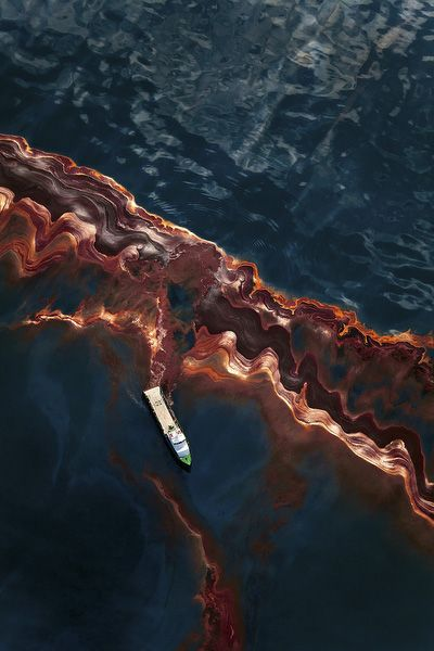 BP Gulf of Mexico Oil spill, 2010. Man-made disaster // Daniel Beltra