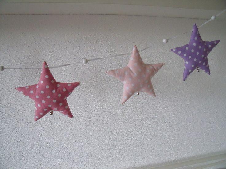 Zauberhafte Sternengirlande....  ....wunderschöne Deko über dem Wickeltisch, Kinderbettchen, am Fenster, über der Kuschelecke oder auch ein schön...