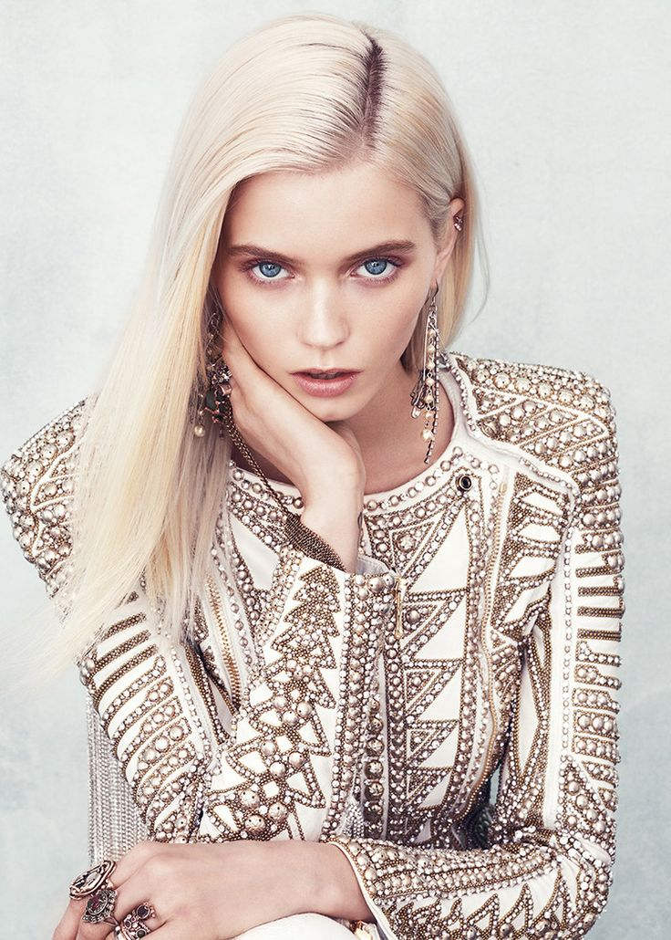 Inspiração metálica Abbey Lee Kershaw photographed by Norman Jean Roy for Vogue, August 2012