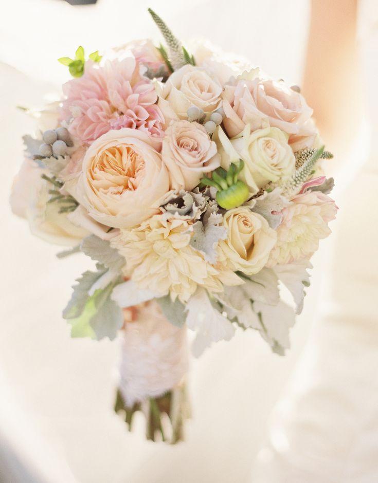 Photographer: Valerie Tabor Smith | Flowers: Unique Floral Designs