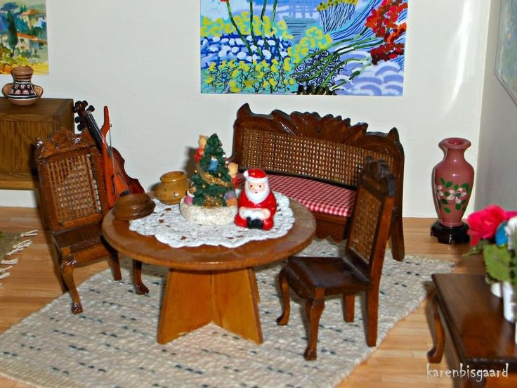 Christmas Decorated Livingroom In 50`th Homemade Doll House. #dollhouse  #dollhouseminiatures # · BisgaardHausgemachte PuppenAntike ...