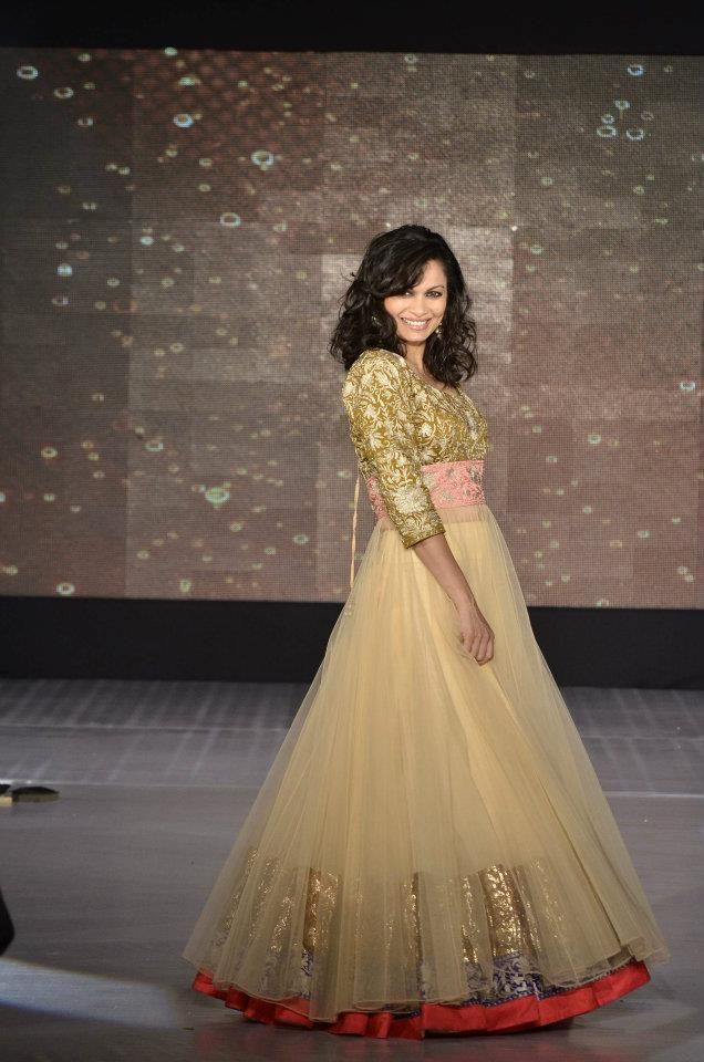 maria goretti-gold-designer-manish-malhotra-latest-fashion-trends-2012