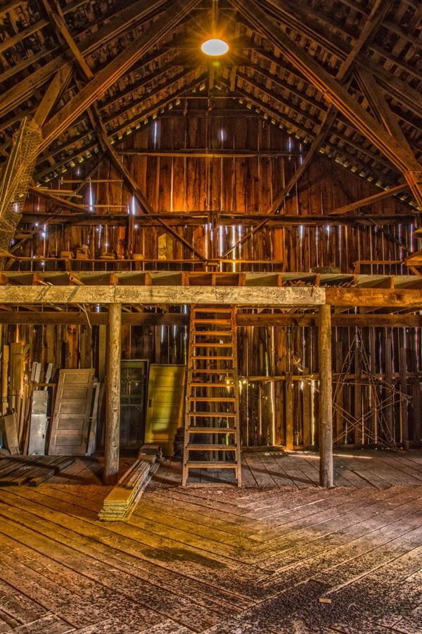 17 best images about barn loft ideas on pinterest land 39 s for Barn loft homes