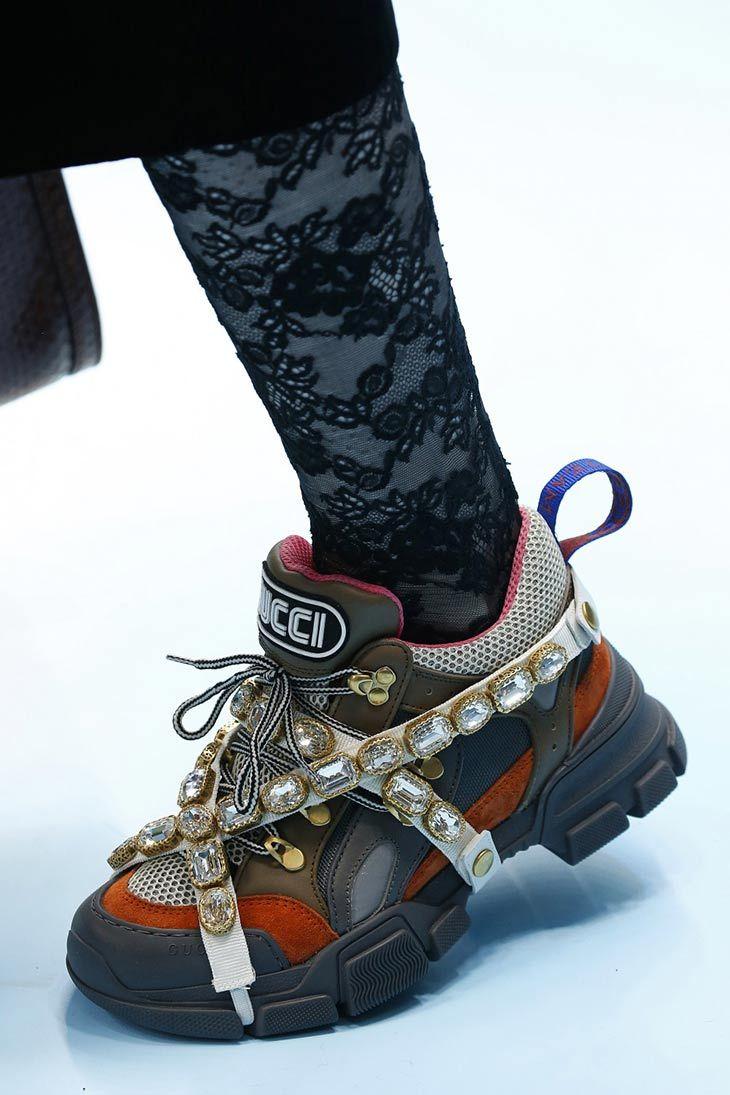 premium selection f6ee0 fa953 Selección de las mejores 50 zapatillas vistas en las pasarelas de las  Semanas Internacionales de la