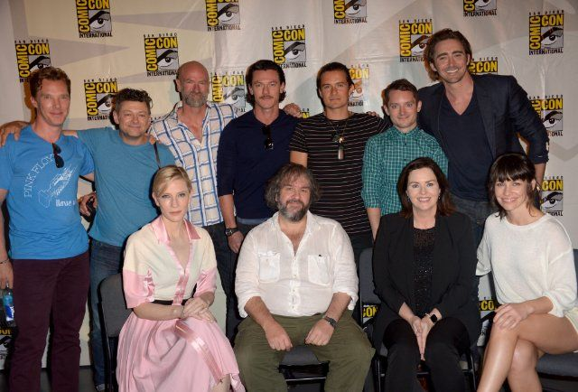 Elijah Wood, Cate Blanchett, Peter Jackson, Orlando Bloom, Philippa Boyens, Graham McTavish, Andy Serkis, Lee Pace, Benedict Cumberbatch, Evangeline Lilly and Luke Evans at event of The Hobbit: The Battle of the Five Armies (2014)