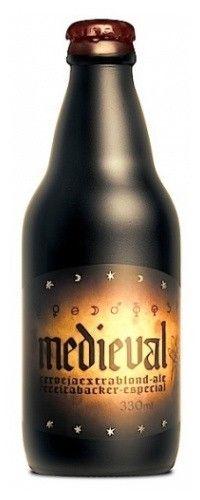 Cerveja Medieval, estilo Belgian Blond Ale, produzida por Cervejaria Backer, Brasil. 6.7% ABV de álcool.