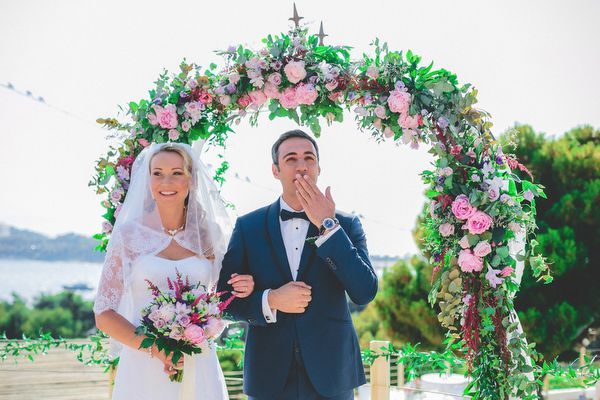 flower-wedding-arch